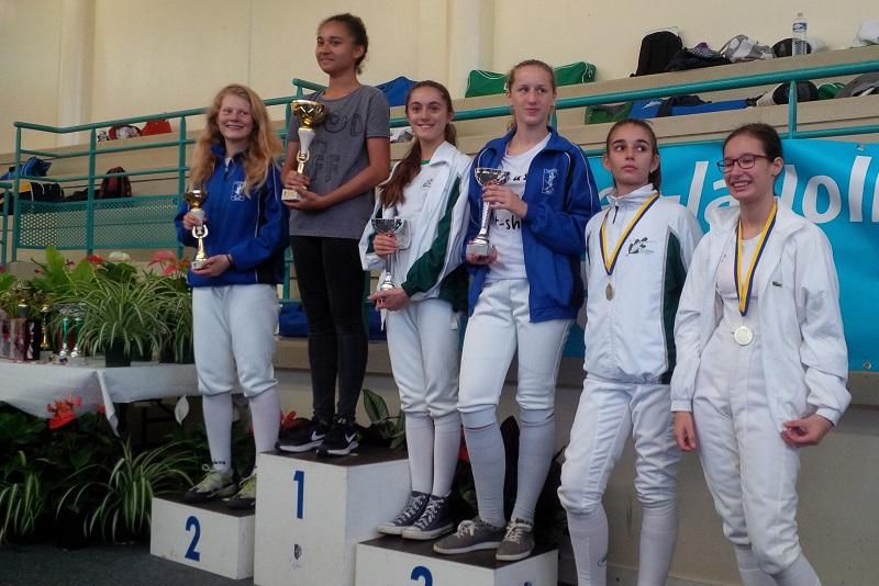 2016-10-09-mantes-m14-podium-filles